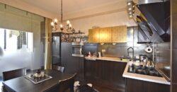 Քեռու փողոցում (Բլուր թաղ.) 3 սենյականոց նրբաճաշակ բնակարան KR120