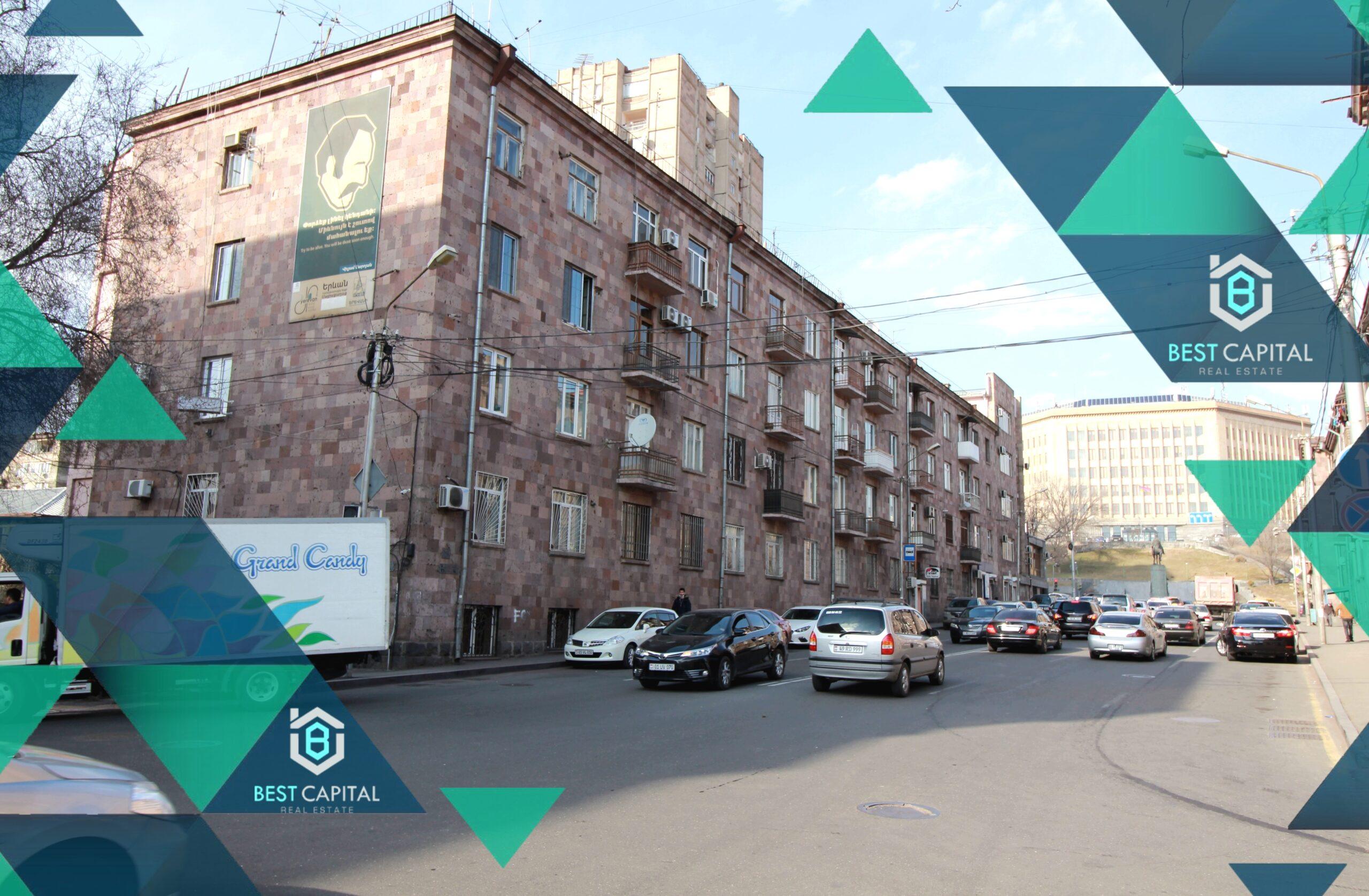 Պռոշյան փողոց, կապիտալ վերանորոգված բնակարան 2-րդ հարկում բաց պատշգամբով KN039