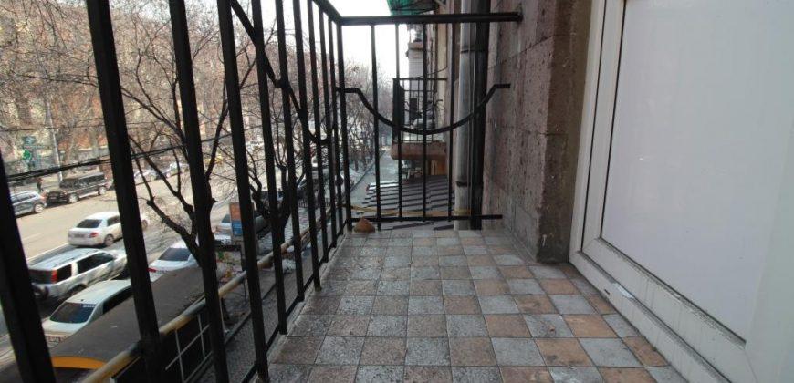 Բնակարան Սայաթ-Նովայի պողոտայում