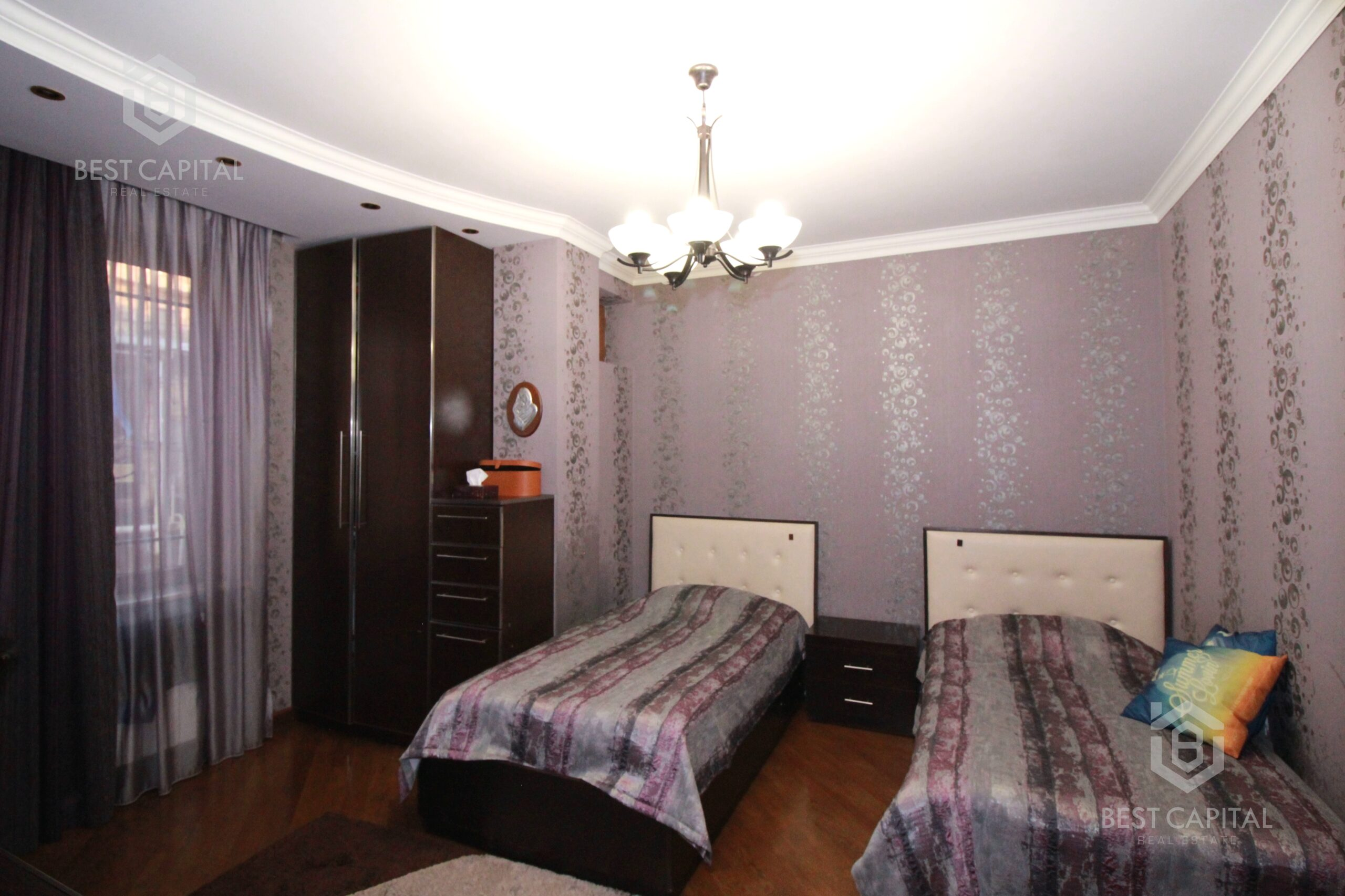 Անտառային փողոցում Մատենադարանի մոտ 3 սենյականոց բնակարան նորակառույց շենքում