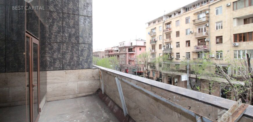 Բնակարան Աբովյան փողոցի նորակառույց շենքում