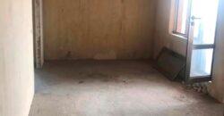 Ընդարձակ բնակարան Ծիծեռնակաբերդի խճուղու նորակառույց շենքում