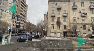 Բնակարան Չարենցի փողոցում