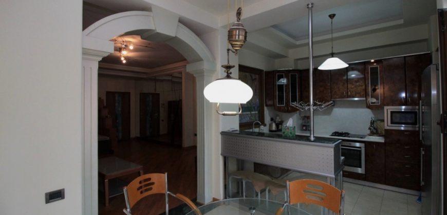 Բնակարան Եկմալյան փողոցի նորակառույց շենքում