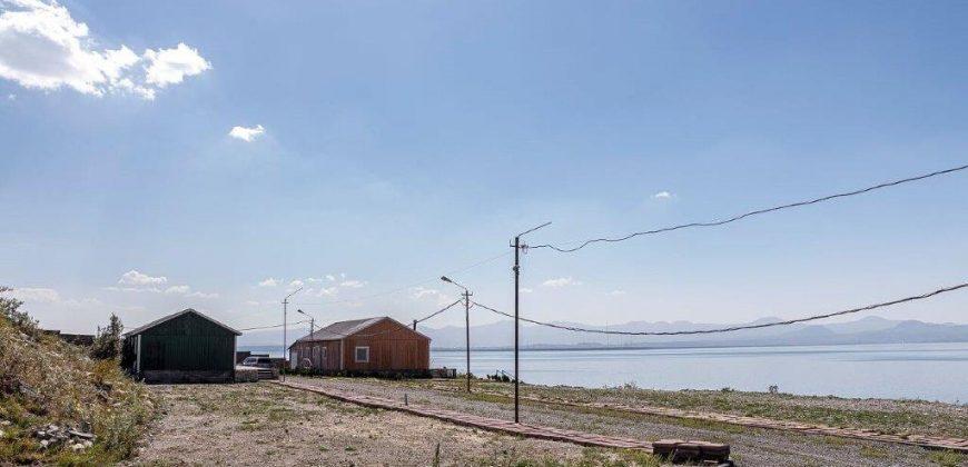 Առանձնատներ Սևանա լճի ափին
