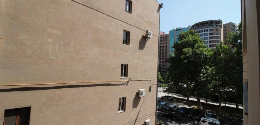 Ընդարձակ բնակարան Արամի փողոցի նորակառույց շենքում