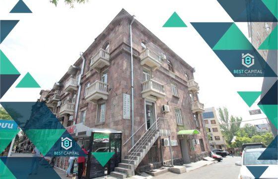 Բնակարան Կորյունի փողոցում