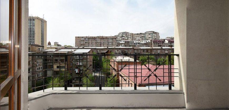 Վաճառվում է բնակարան Եկմալյան փողոցում, Մալիբու այգու հարևանությամբ